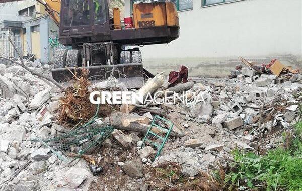 Πως ο Δήμος Παύλου Μελά «ΑΝΑΚΥΚΛΩΣΕ» ένα παράνομο κτίσμα μετά την κατεδάφιση του